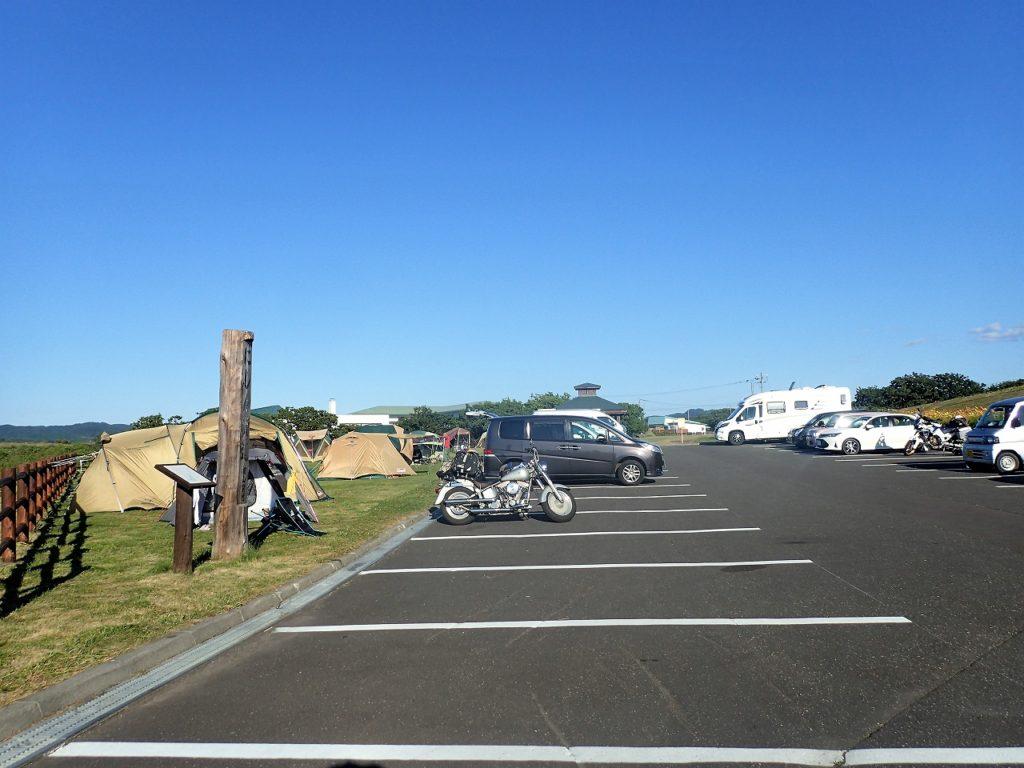 初山別道の駅、キャンプサイト駐車場