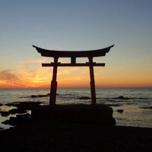 初山別、鳥居、金毘羅神社と利尻富士、夕景